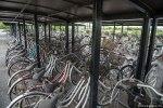 Αυτά τα ποδήλατα έμειναν πίσω όταν οι πολιτες έφυγαν